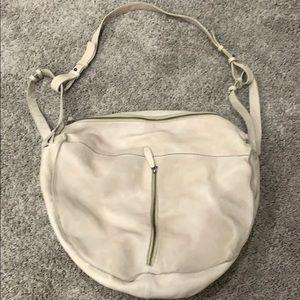 Free People off white leather shoulder bag! 🛍